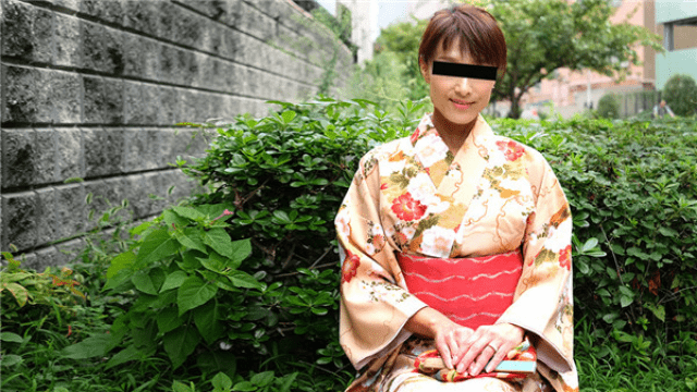 Pacopacomama 111518_376 It is awesome to have a kimono Beautiful wife