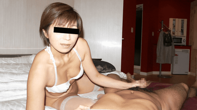 Pacopacomama 052819_101 Cum Housewives 84 to Shaved Nasty MILF to drink in the throat