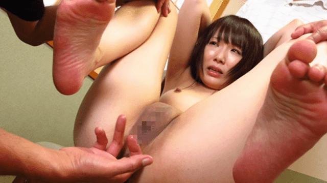 HEYZO 2210 Ai chan Heisei born Amateur Shaved Pussy Wife 2 Hole Request Training 02