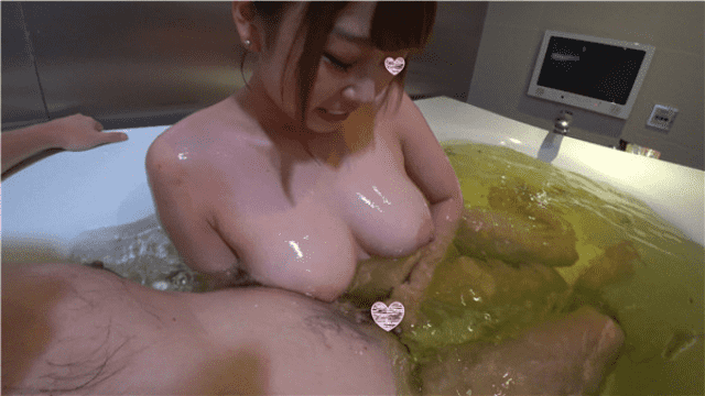 FC2 PPV 1276433 Ochan 20-year-old 3rd time super-luxury huge breasts NN soap lady and slimy making seeding play!