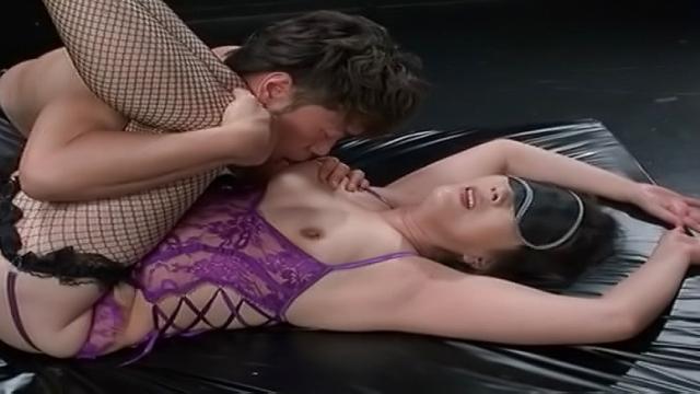 Nice Japanese mature enjoys ass licking action - Jav HD Videos