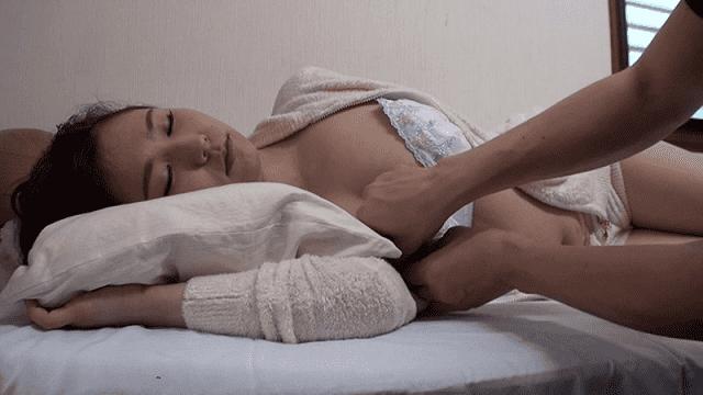 TMA T28-498 Sleeping medicine with sleeping medicine Cum shot Internal cumshot Incesting brother's sexual intercourse for days - Jav HD Videos