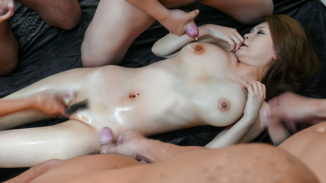 Japan Videos Arisa Kuroki oiled up for asian girls cum shots