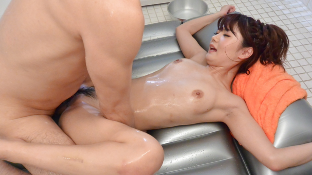 Nude beauty pleases partner with soft porn play - Jav HD Videos