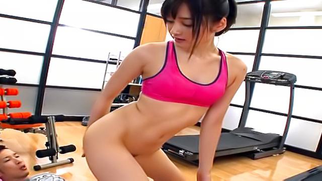 Japan Videos Cute Asian Mizuho Uehara gives a steamy blow job indoors