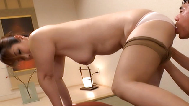 Japanese babe Chisato Shohda gets mature pussy licked in 69 - Jav HD Videos