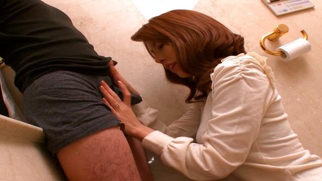 Haruka Sanada, naughty Asian milf sucks cock in the toilet - Jav HD Videos